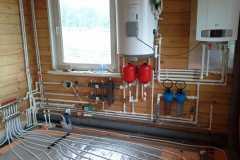 Установка настенного газового котла и бойлера BAXI (Котельная)